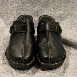 Born Avoca style Black shoes size 8